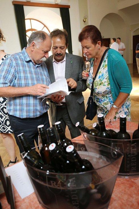 Slavnosti vína 2016 v Uherském Hradišti. Oslava vína v Redutě. Prezentace regionálních vinařství s CM Cifra.