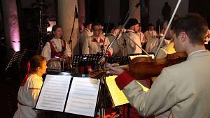 Benefiční koncert zaplnil sál brodského muzea
