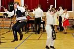 Návštěvníci plesu velehradské školy se vsobotu večer skvěle pobavili.