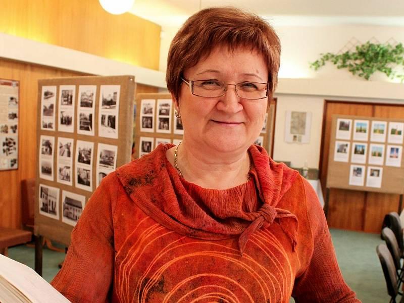 Kronikářka a vedoucí Muzejního spolku Huštěnovic Alena Bazalová.