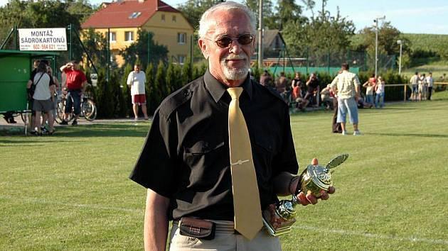 Předseda Okresního fotbalového svazu Ladislav Vacenovský v neděli 6. 6. 2010 náhle zemřel. Bylo mu 66 let.