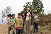 Společné foto s místními kluky.