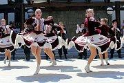 Vystoupení mezinárodních folklórních souborů v  muzeu J. A. Komenského  v Uherském Brodě.Na snímku ruský soubor TANIK filk Dance Ensenble (Krasnodar)