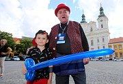 Magic festival 2018 v Uherském Hradišti. Kouzelné náměstí na Masarykově náměstí. Jura Balonfuk