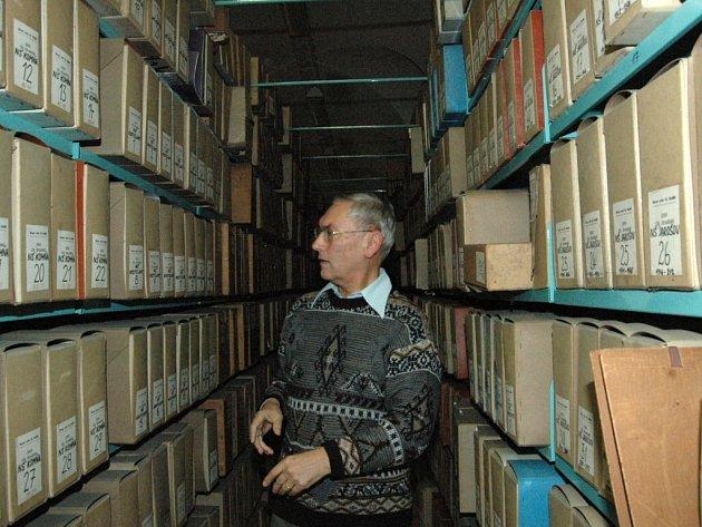V archivu mají celkem 3 kilometry materiálů.