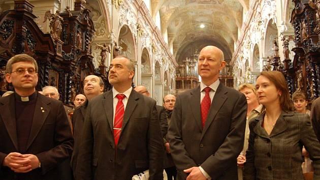 Norský velvyslanec obdivoval baziliku.
