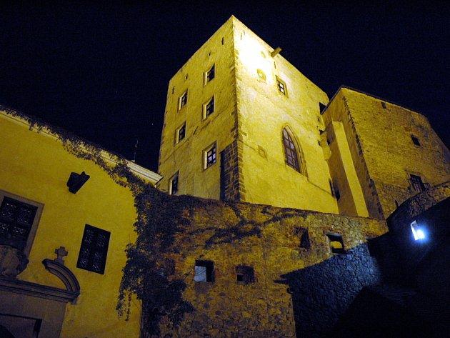 Hrad Buchlov v noci.