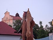 Na náměstí v Bojkovicích poprvé hráli divadlo. Lidi bavil svérázný Don Quijote