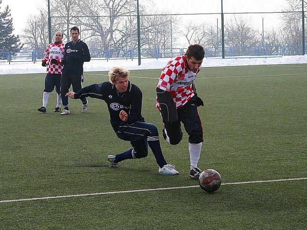 Do přípravy fotbalistů Uherského Brodu se mimo jiné zapojil i zkušený Jan Mahdalík, který společně se svými spoluhráči vstoupil do turnaje výhrou nad O. N. Vsí.