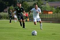 Fotbalisté Slovácka (v bílých dresech) zvítězili v generálce s maďarským týmem Paksi FC.