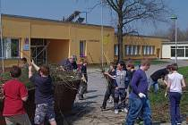Děti z některých tříd brodské katolické školy nastoupí po prázdninách do nových prostor v Základní škole Na Výsluní.