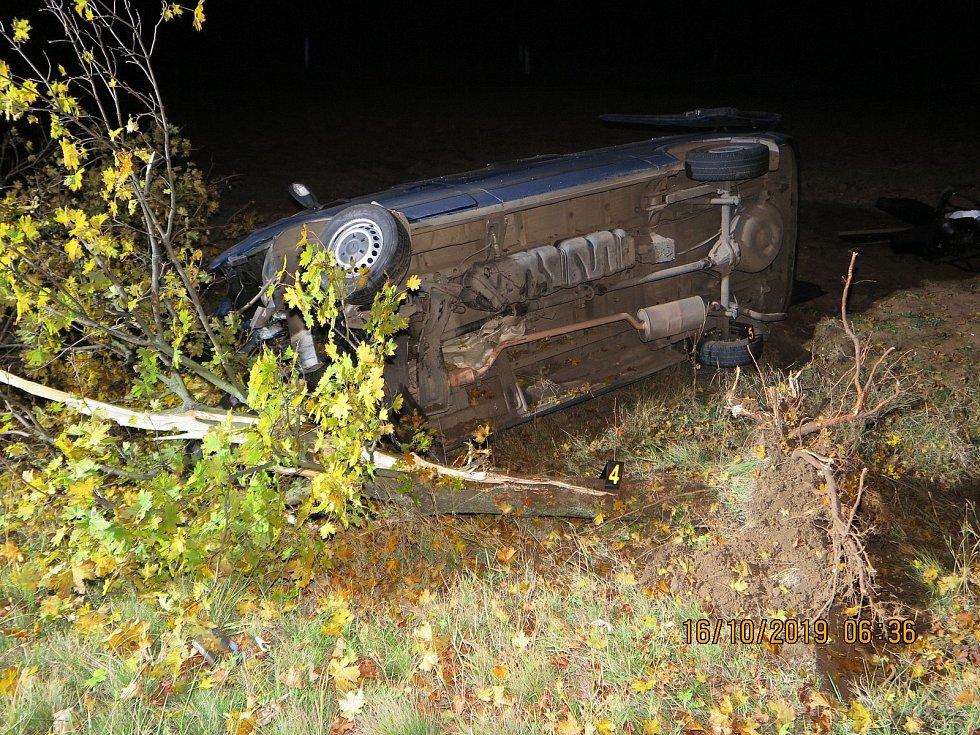 Nehoda, při které se zranili čtyři cizinci, se stala ve středu kolem páté hodiny ranní.