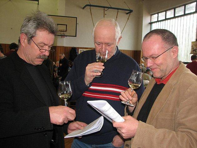 Milovníci vína byli se vzorky evidentně spokojeni