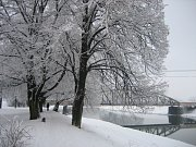 Řeka Morava v Uherském Hradišti v těchto dnech.