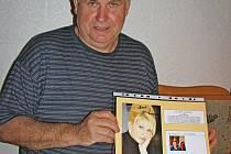 Hradišťan Jiří Foltýn má ve více než třiceti albech na 4600 autogramů významných osobností světa.
