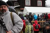 Tradiční silvestrovský výstup na Velkou Javořinu. Ilustrační foto