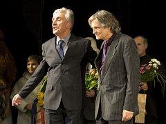 Ve Slováckém divadle se uskutečnila vydařená premiéra Shakespearova Macbetha v režii Igora Stránského s Tomášem Šulajem v hlavní roli.