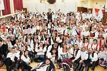 Členové FS Javorina spolu se svými kamarády ze Strání uspořádali v sobotu 8.2.2020 již 14. Krojový ples.