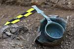 UNIKÁTNÍ NÁLEZ. Hrob velmi zámožného velmože se podařilo odkrýt archeologům Slováckého muzea Uherské Hradiště.