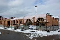 Na stavbě Centra slováckých tradic vládne i v těchto dnech čilý pracovní ruch.