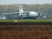 Obří letoun IL 76 na kunovickém letišti