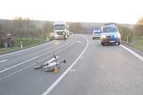 Cyklista s více než třemi promile v dechu zavinil srážku s motorkářem. Oba skončili v nemocnici.