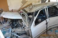 Řidič prorazil stěnu hasičské zbrojnice v Boršicích a zůstal s autem zaklíněný uvnitř.