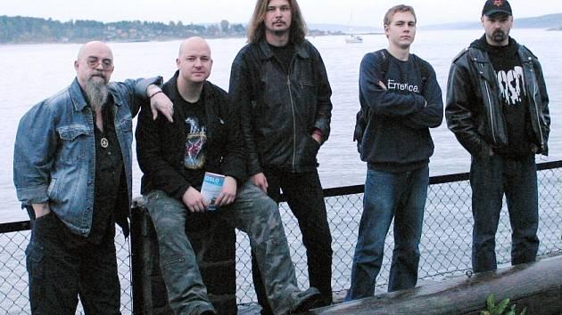 Skupina Root po vystoupení v norském Oslu (zcela vlevo Big Boss, vedle něj Igor Hubík).