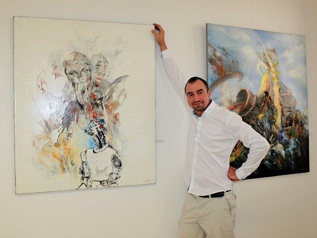 Martin Vavrys maluje a tvoří také plastiky.