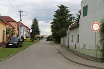 Kostelany nad Moravou, vesnice u řeky Moravy.