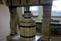 Letošní Slavnosti vína a otevřených památek obohatí zcela nová replika lisu.