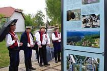 Unikátní možnost, zhlédnout netradiční výstavu s názvem Karpaty v Evropě, mají od 3. do 20. května ti, kteří zavítají na náměstíčko před farou v Dolním Němčí.