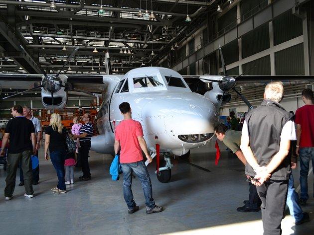 Spolešnost Aircraft Industries pozvala v sobotu zájemce o prohlídku výroby letadel.