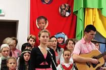 V Buchlovicích se uskutečnil první charitativní koncert, jehož výtěžek putoval na misie.