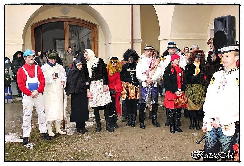 Fašankový průvod putoval ulicemi Uherského Brodu v neděli odpoledne