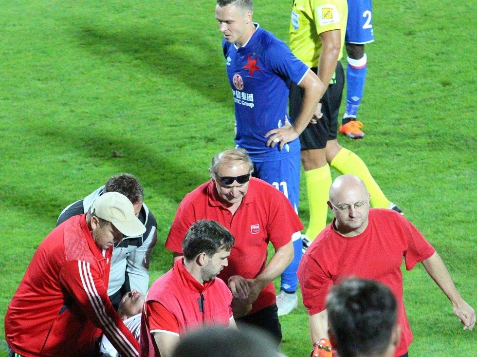 Josef Daníček v bezvědomí v zápase proti Slavii
