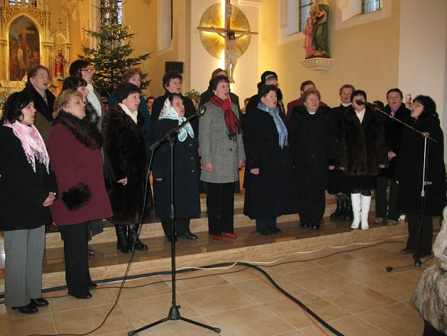 Tradičně netradiční tříkrálový koncert, tak nazvala svoje nedělní představení Dechová hudba Straňanka.