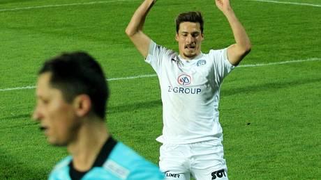 Záložník Slovácka Lukáš Sadílek v pondělí nastoupí proti bratrovi Michalovi, který hraje za Liberec.