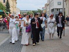 Premiérový ročník majálesu uspořádali studenti Univerzity Tomáše Bati v Uherském Hradišti.