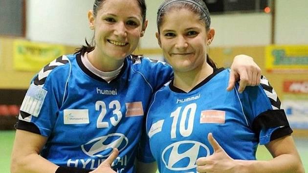 Zkušená křídelnice Kristýna Mika (vlevo) bude českým házenkářem na letošním EURO chybět.