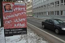 Protikomunistické plakáty se objevily nejprve v Hradišti, následovat mají další města v kraji.