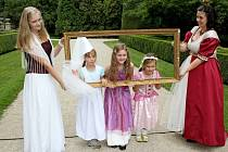 Princezničky a pohádkové postavičky zaplnily areál zámku v Buchlovicích