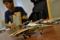 Na průmyslovce vystavovali věrné zmenšeniny letadel.