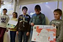 Skupina školáků z Vídně si prohlédla zázemí a vybavení prakšické školy a pustila se do prezentace projektů připravených se svými moravskými soukmenovci.