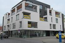 Domem roku 2013 se v Uherském Hradišti stala novostavba polyfunkčního domu Galerie Zelný trh.