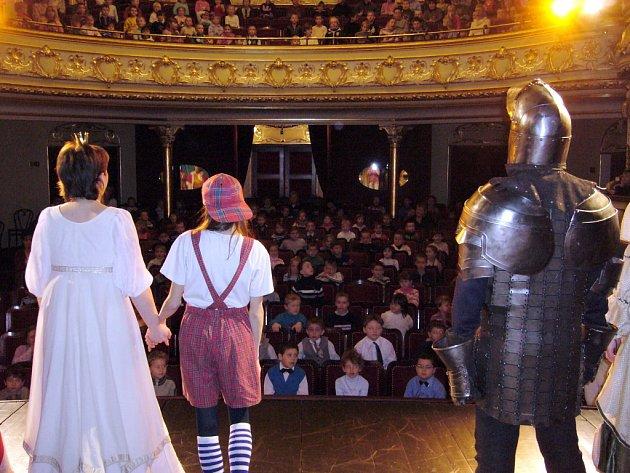 Z divadelního představení Princové jsou na draka.