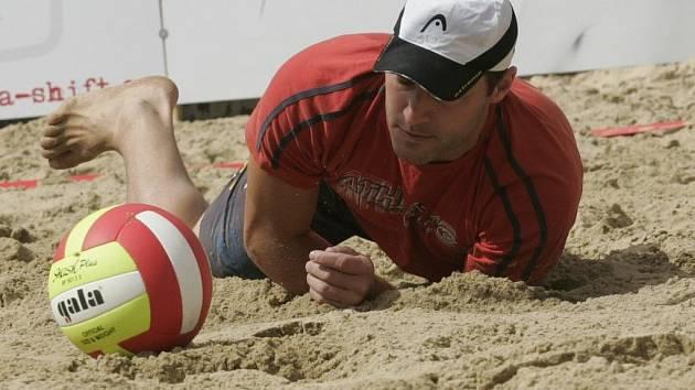 Na beachovém létě soupeřily stovky sportovců, zábava byla připravena také pro děti.