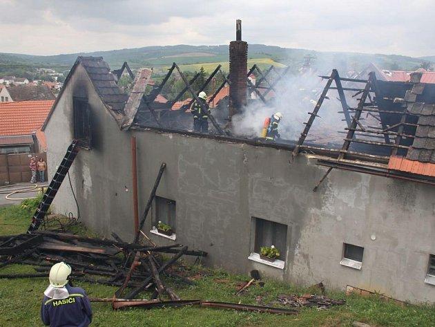 Požár rodinného domu v Boršicích