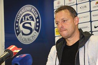 Trenér Martin Svědík sledoval sobotní duel s Libercem na tribuně, po prohraném utkání ale přišel mezi novináře. Od neděle už vede celek z Uherského Hradiště.