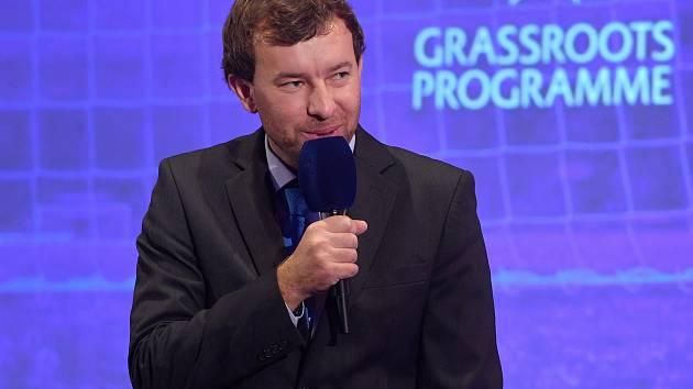 Pětatřicetiletý kouč Slovácka Petr Vlachovský se stal trenérem ženského fotbalu za loňský rok 2018.